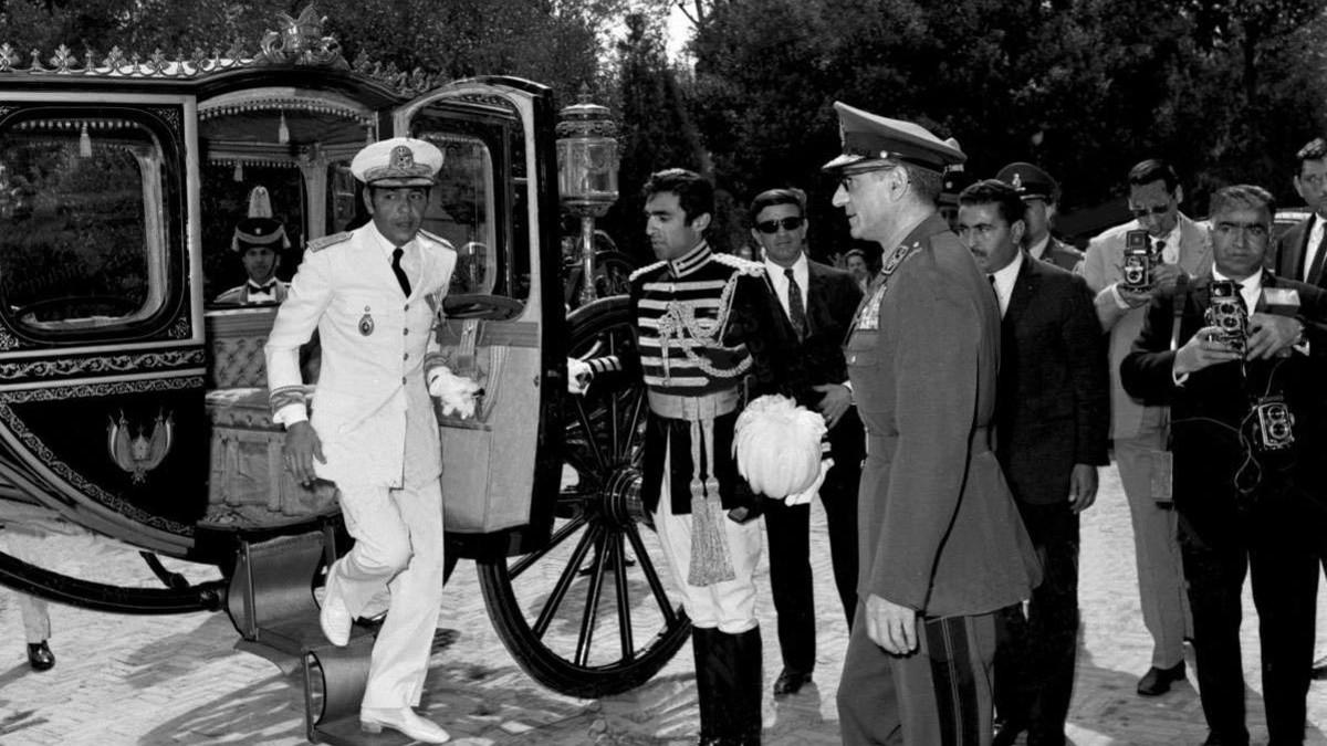 جلالة الملك الحسن الثاني مع شاه إيران