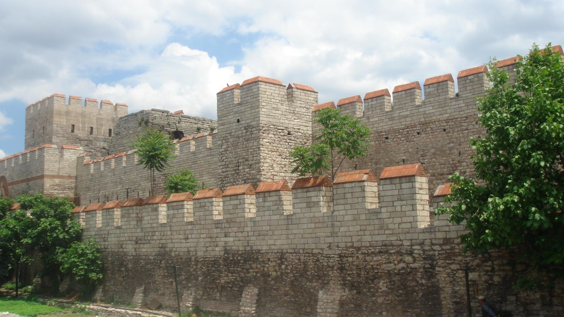 أسوار القسطنطينية