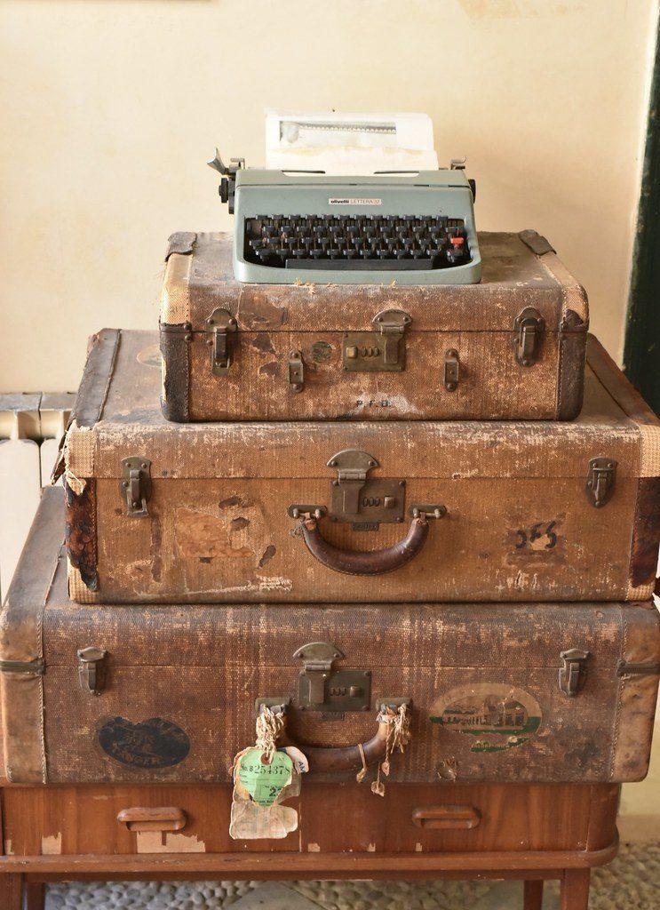 بول بولز الآلة الكاتبة وحقائب السفر